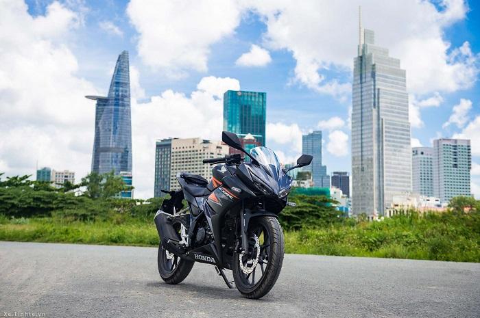 Honda CBR150R co ABS